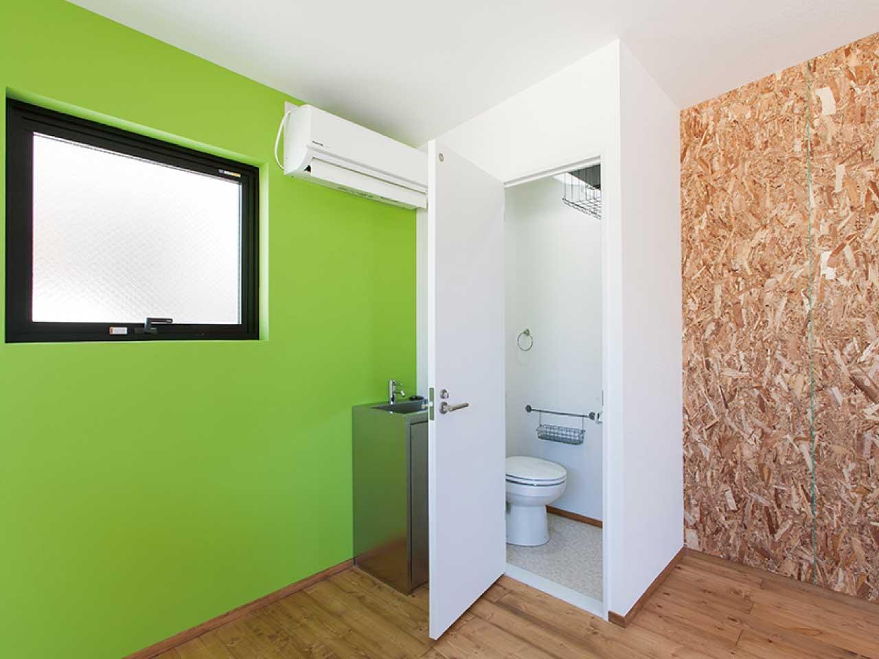 ライゼホビー(都市型賃貸ホビースペース)の土地活用の事例。トイレやシンク、インターネットも完備。